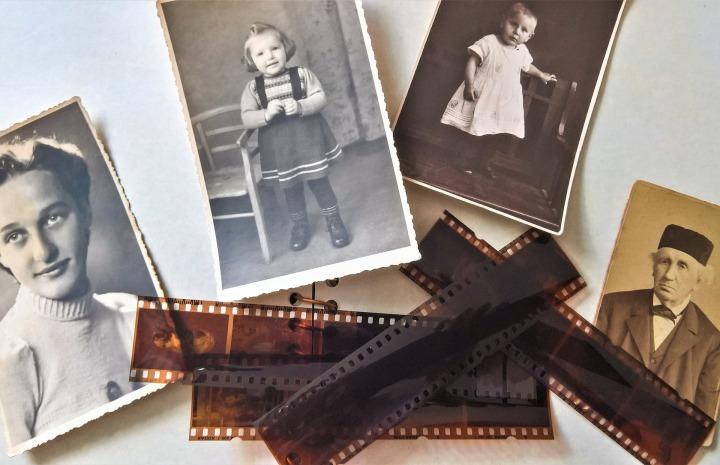 photo-album-3617193_1920