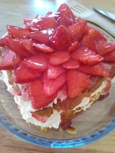 Strawberry Cream Cheese Torte